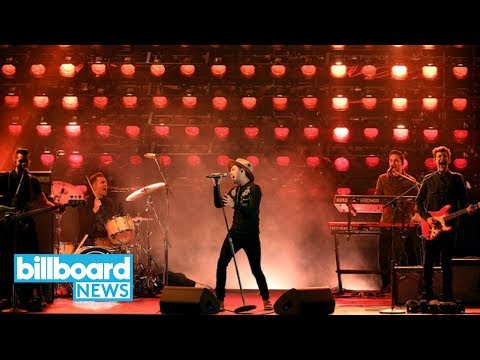 AMAs 2017: Niall Horan Gives Crooning Performance of 'Slow Hands' | Billboard News