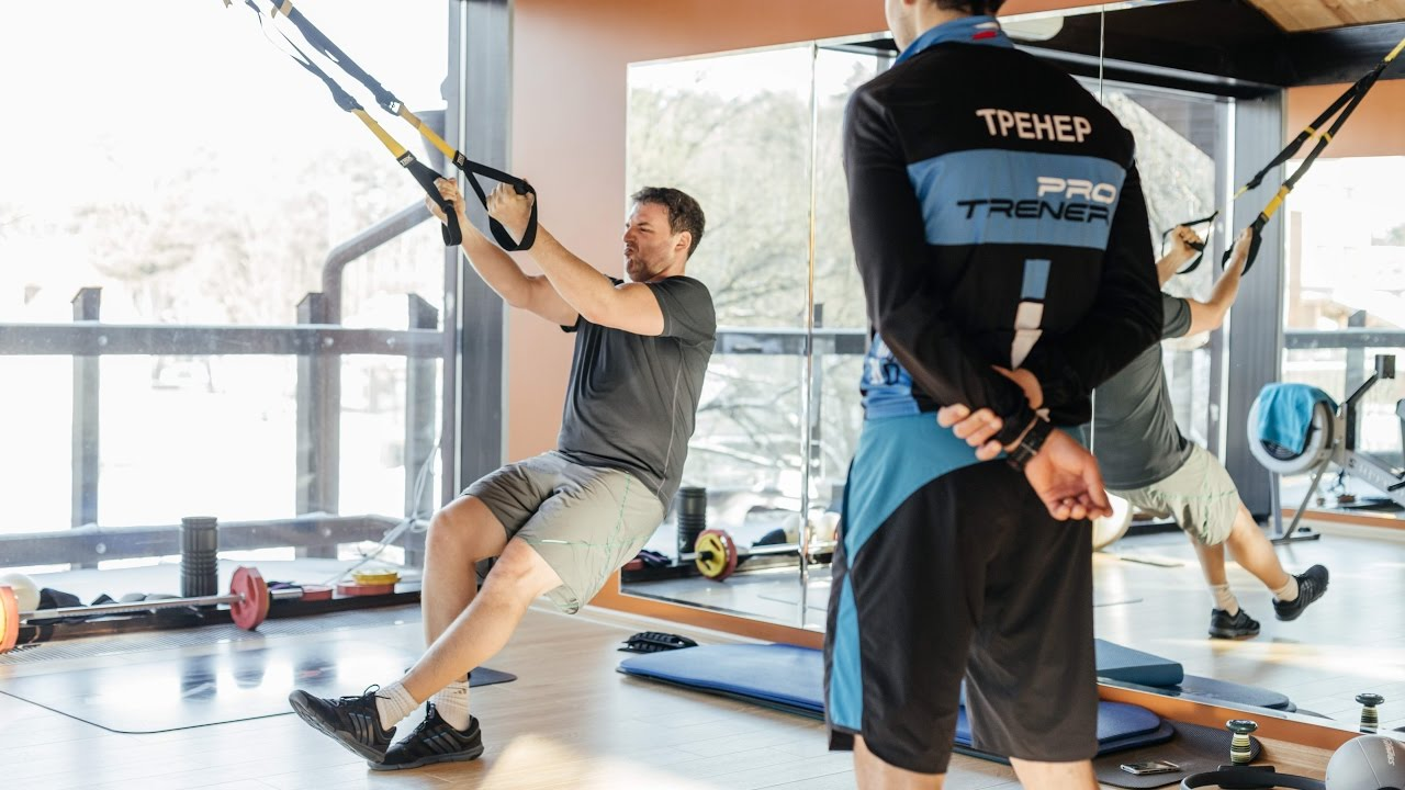 Maxim Vitorgan showed how he does exercises with his young son 05.06.2017 94
