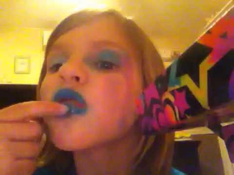 makeup for little girls. little girl puts on makeup for girls