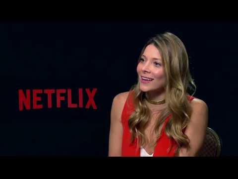 Serie One day at a time de Netflix y sus actrices Isabella Gómez y Justina Machado