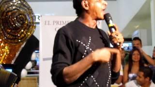 Download Despacito linda [en vivo] - Farid Ortiz MP3 song and Music Video