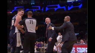 Denver Nuggets coach Mike Malone goes after ref
