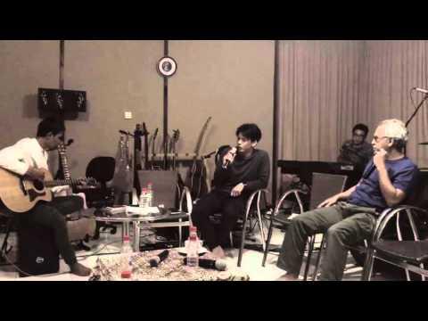 Iwan Fals Feat Noah - Yang Terlupakan Live Accoustic
