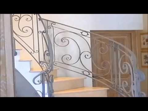 installation d 39 une rampe d 39 escalier en fer forg chez un client de josiane thomas youtube. Black Bedroom Furniture Sets. Home Design Ideas