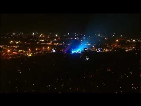 Coldplay - Square One live @ Glastonbury 2005 - HD
