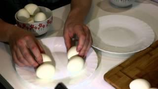 Нужно ли солить яйца при варке? эксперимент...