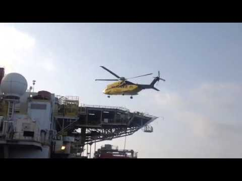 S92 landing on offshore facility