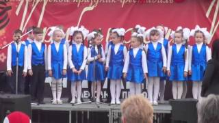 Дети красиво поют о войне  Концерт в Дзержинске посвященный дню победы 9 мая 2016 года
