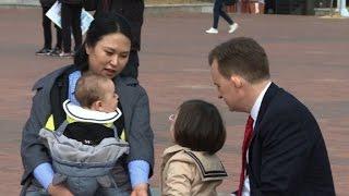 Experto interrumpido por sus hijos en BBC se ríe de video viral