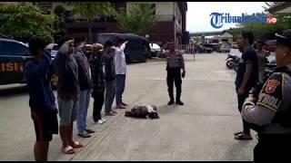 Download lagu VIDEO Polisi Menjemur Pasangan Mesum dan Pelajar yang Terjaring Razia MP3