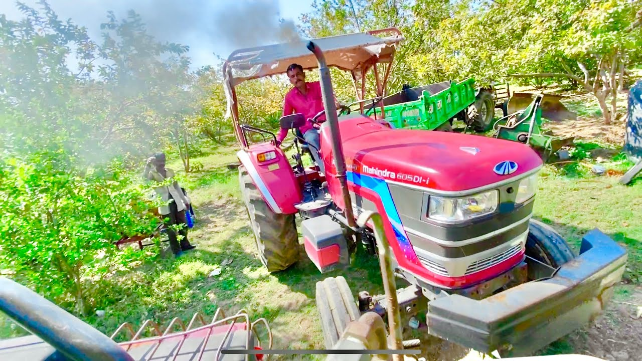 John Deere Tractor Pulling Mahindra Arjun NOVO 605 di-i