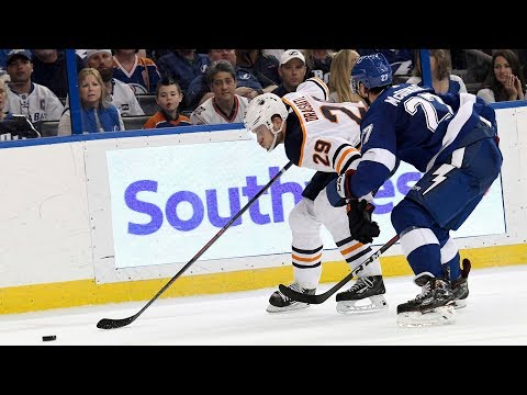 Oilers three stars in loss to the Lightning