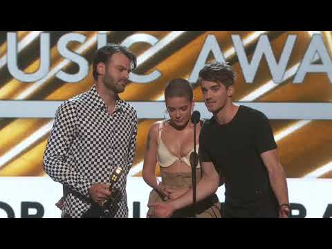 The Chainsmokers And Hasley Win Best Collaboration - BBMA 2017