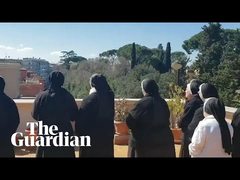 Nuns in Rome sing hymns from rooftop amid coronavirus crisis