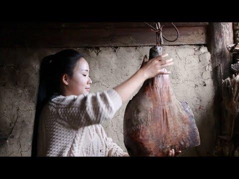 卸了今年最后一只火腿做个豌豆火腿焖饭,犒劳一下自己和家人【滇西小哥】