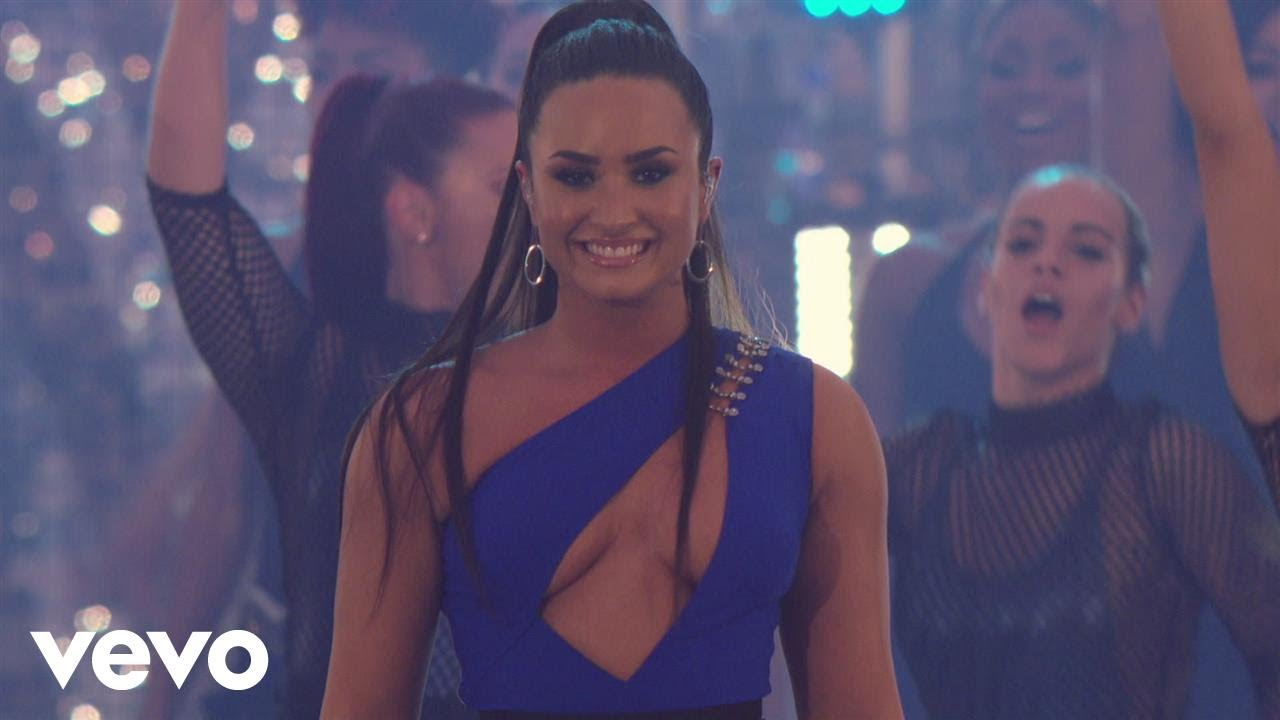 Demi Lovato Sorry Not Sorry Live At The Mtv Vmas 2017