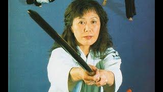 Miyako Fujitani est la directrice du Tenshin Dojo au Japon. Oui, le...