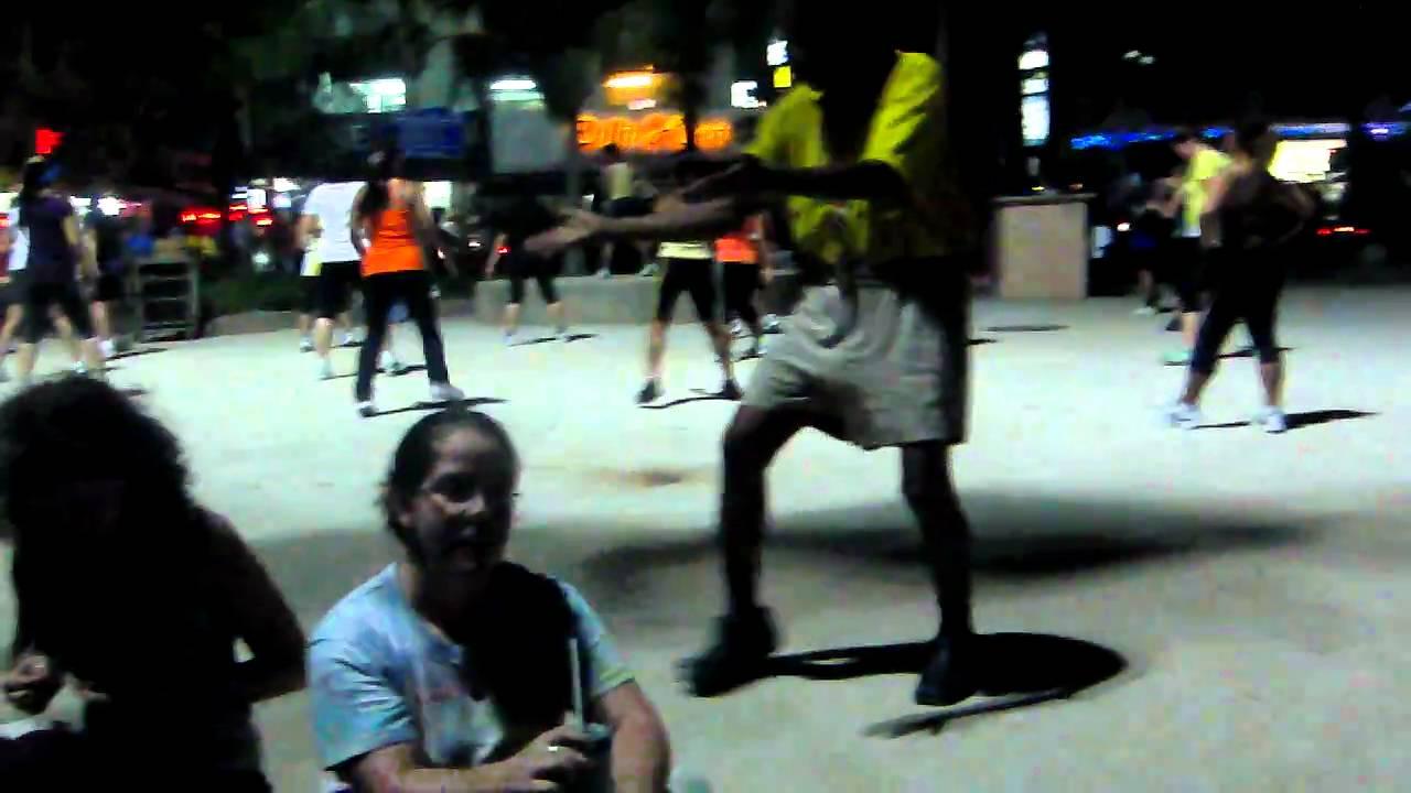 Download Thai Man Dancing to Aerobic Music