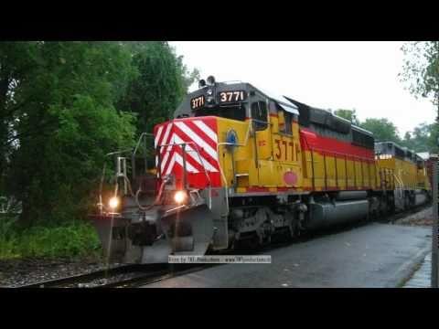 Necr Freight Trains With Conrail Bnsf Warbonnet Pumpkin Cefx
