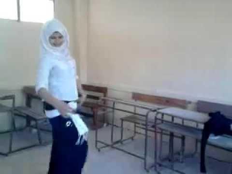 بنت ترقص ع مهرجان thumbnail