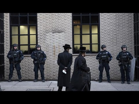 إصابة 5 أشخاص في عملية طعن جماعي استهدفت يهودا في نيويورك…