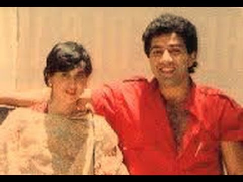 Sunny deol with wife pooja deol & family