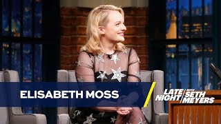 Elisabeth Moss Has a Personalized Cubs Handmaid