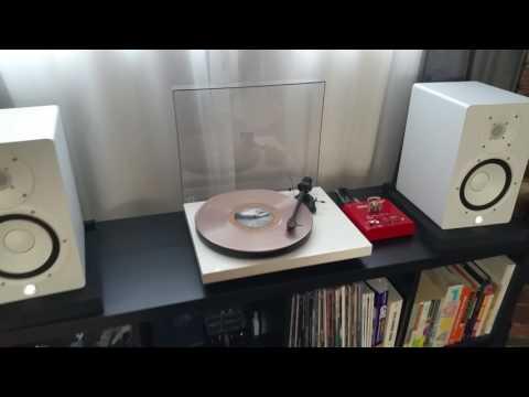 Seoul - Real June on Vinyl. Pro-Ject Debut Carbon. Yamaha HS7. Bellari VP130