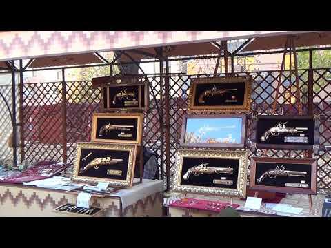 Армения. Ереван. Рынок сувениров