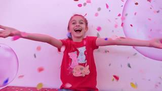 Alicia has fun and adventure in Candy Land