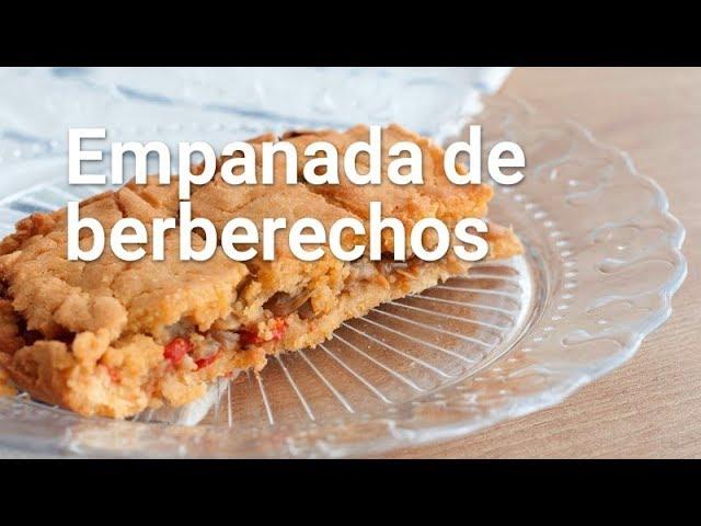 Empanada de berberechos con masa de maíz