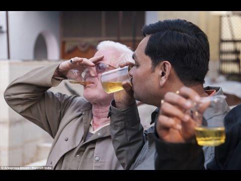 woman piss Drinking man