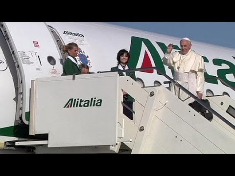 Pope Francis heads to Jordan for start of three day Middle East visit