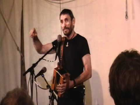 Tom Lewis sings Nipper and Bully in the Alley at the Mystic Sea Music Festival 2012
