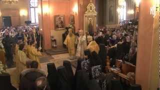 Патриарх Кирилл совершил литургию в Покровском м-ре(8 марта 2013 года, в день 15-летия обретения мощей блаженной Матроны Московской, Святейший Патриарх Кирилл..., 2013-03-08T23:47:19.000Z)