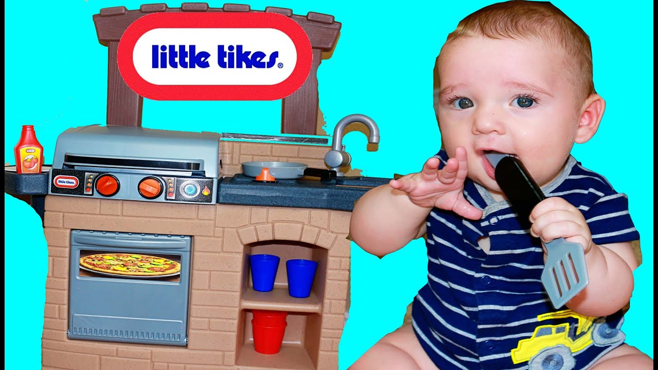 BBQ Grill Little Tikes Cook \'n Play Outdoor Toy w Wyatt - YouTube