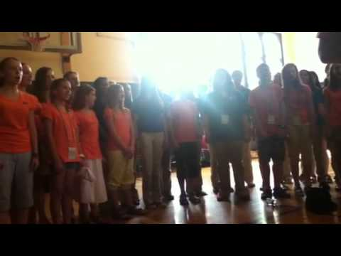 Hoj Hura Hoj czech and americans sing together