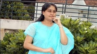Huge robbery in Actress and Ex MP Vijayashanthi's Home - Watch Exclusive