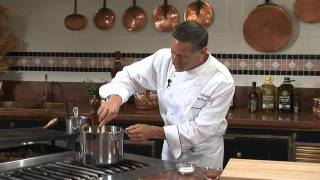 Chef Ken Arnone Making Marinara Sauce
