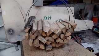 Переносная мини дровница из металла для печки сделанная своими руками в дачной мастерской
