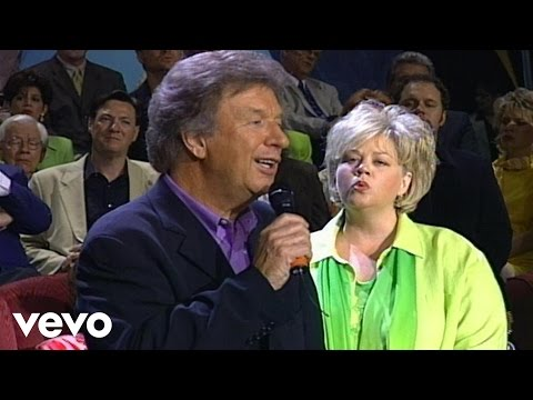 Bill Gaither, Tanya Goodman Sykes - Going Home [Live]