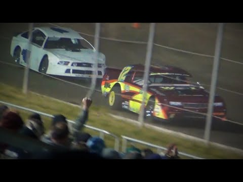 Street Stock Battle-#12 Zack Simpson vs. #AK47 Austin Kerrigan@ Grays Harbor Raceway 2019