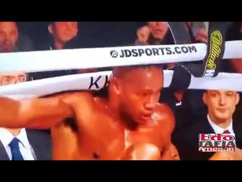 Американский боксер впал в кому после нокаута: видео