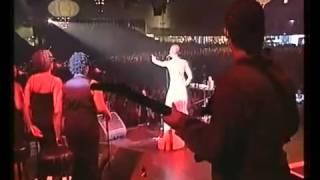 'Kiss Me On My Neck (Hesi)' - Erykah Badu (2001)