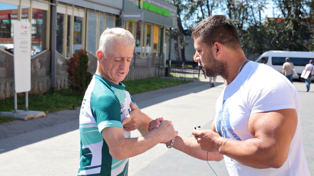 Дедушка из Дагестана удивил качка!