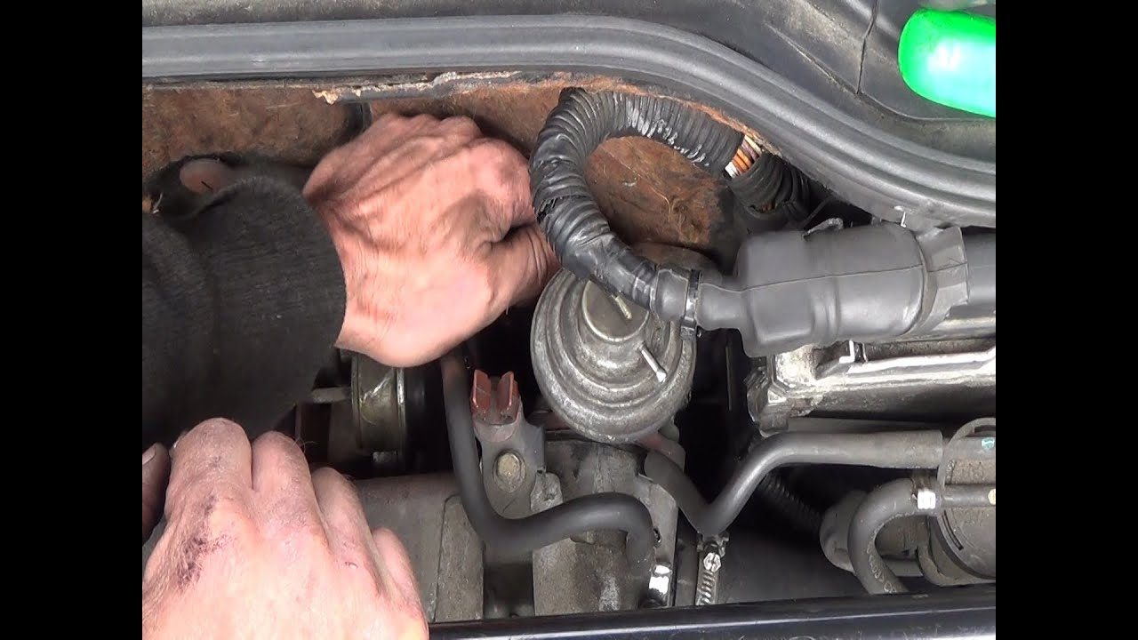 Watch on toyota corolla knock sensor location