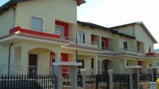 Filosa - Недвижимость в Италии - Калабрия(http://www.proinvestrealty.ru Небольшой комплекс таунхаусов, расположенный в городке Торре Мелисса на берегу Ионическ..., 2011-04-25T18:02:20.000Z)