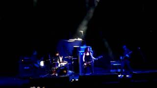 Melissa Auf der Maur - 22 Below (live)