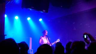 Throwing Muses - Fish, Manchester Club Academy 6-11-11