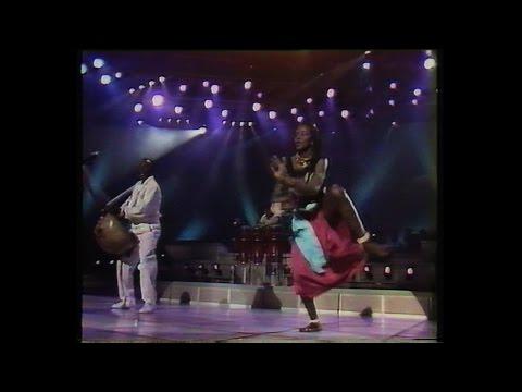 Mory Kanté - Yé ké yé ké TV live from the 80s (remastered VHS)